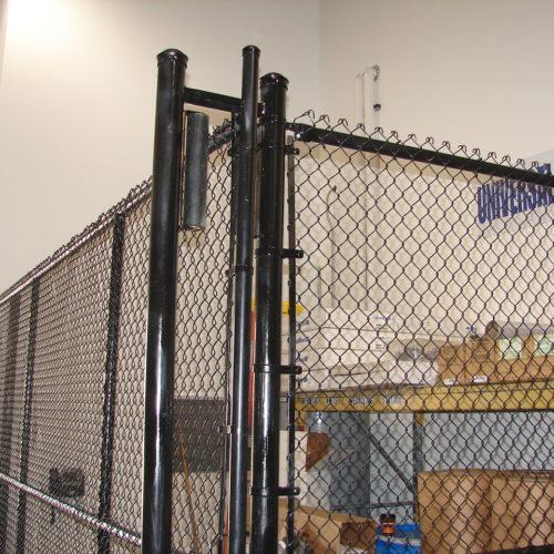 Black Chain Link Storage_Bin_gate