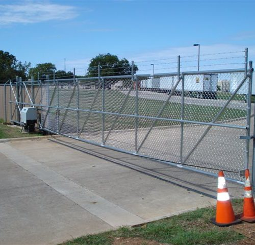 Chain Link Cantilever Gate2