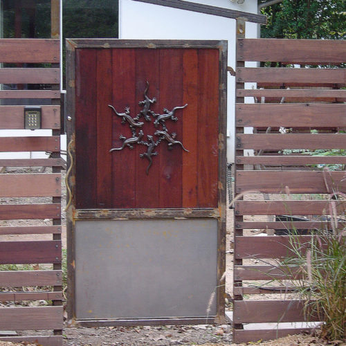 13_Custom Gecko Gate