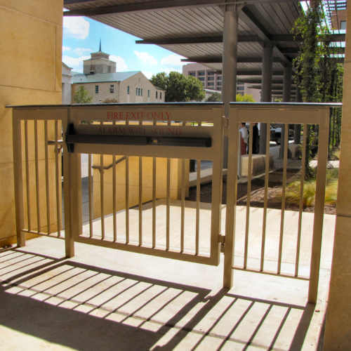 18_Commercial Railing Panic Bar Gate
