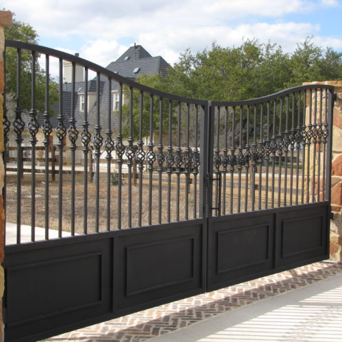 19_Custom Reverse Arch Swing Gate