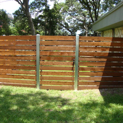 20_Horizontal Semi Privacy Gate