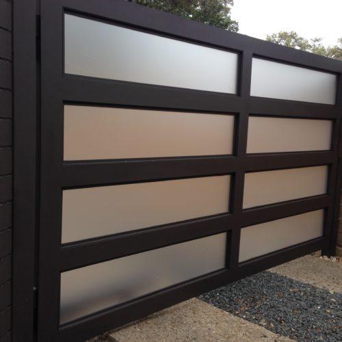 4_Aluminum Contemporary Driveway Gate