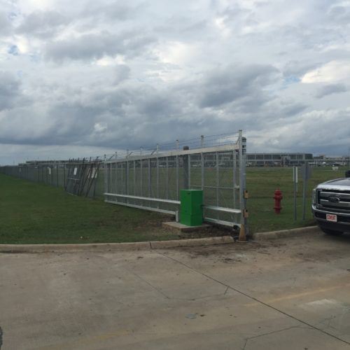 8_Aluminum Cantilever 40 Ft Gate w Operator